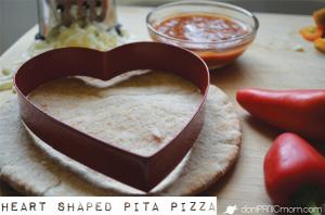 Heart-shaped Mini Pepper Pita Pizza