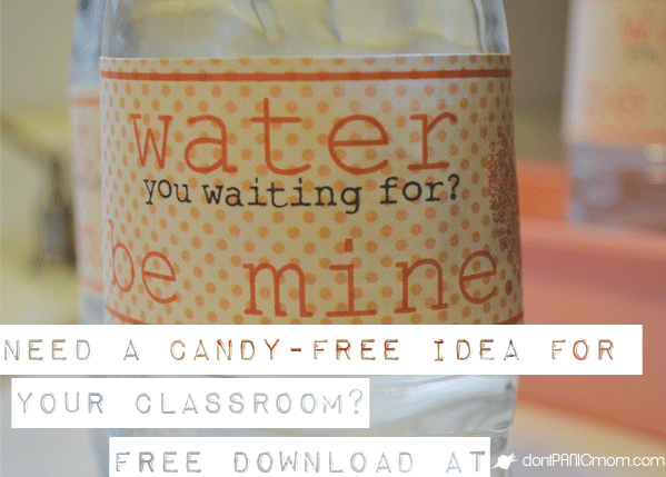 Water bottle Valentine's idea - perfect and mess free drink option for classroom parties - from Don't Panic Mom.