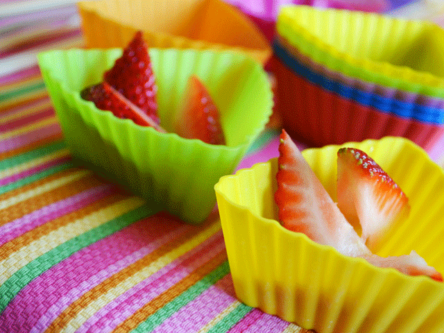 little-strawberry-cups