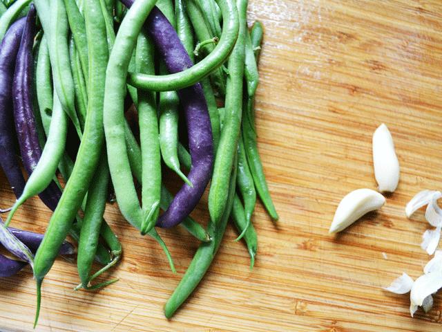 Green-Beans-Cutting-Board
