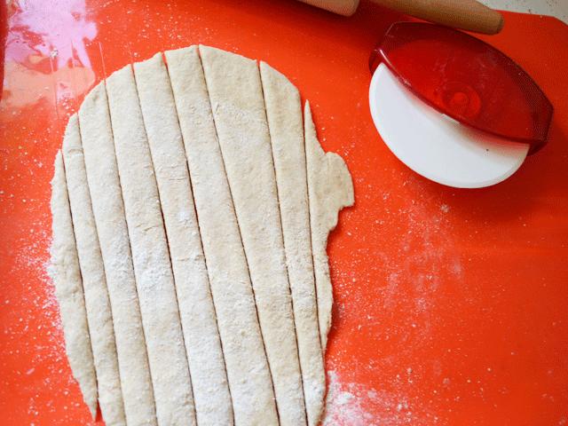 Make-Mummy-Bandages