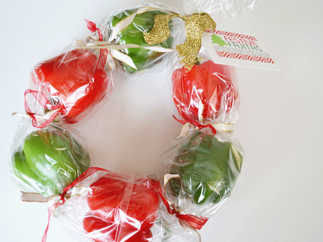 The Cutie Wreath has had it's turn in the spotlight. Now it's time for the Pepper Wreath for festive fajitas. FREE PRINTABLE!
