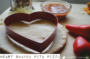 Heart-shaped Mini Pepper Pita Pizza