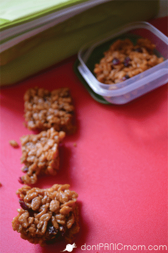 Try out these 10 minute Crisp Brown Rice Treats for a packed lunch surprise. From Don't Panic Mom