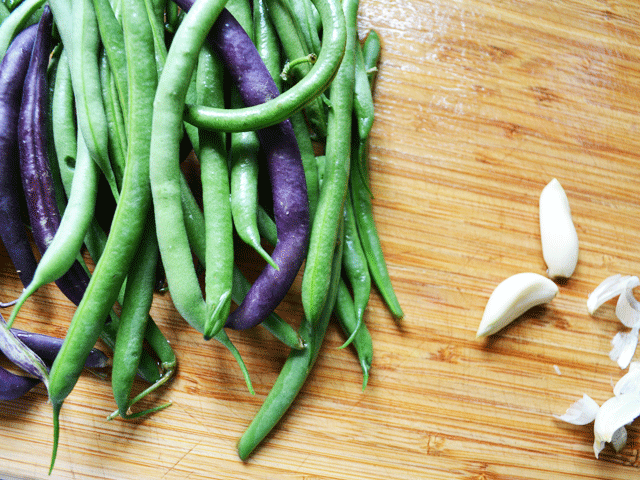 Green-Beans-Cutting-Board