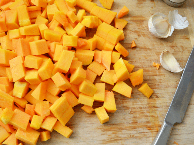 Raw-Squash-with-Garlic