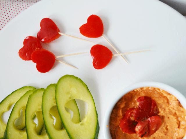 Hummus-with-Cucumbers